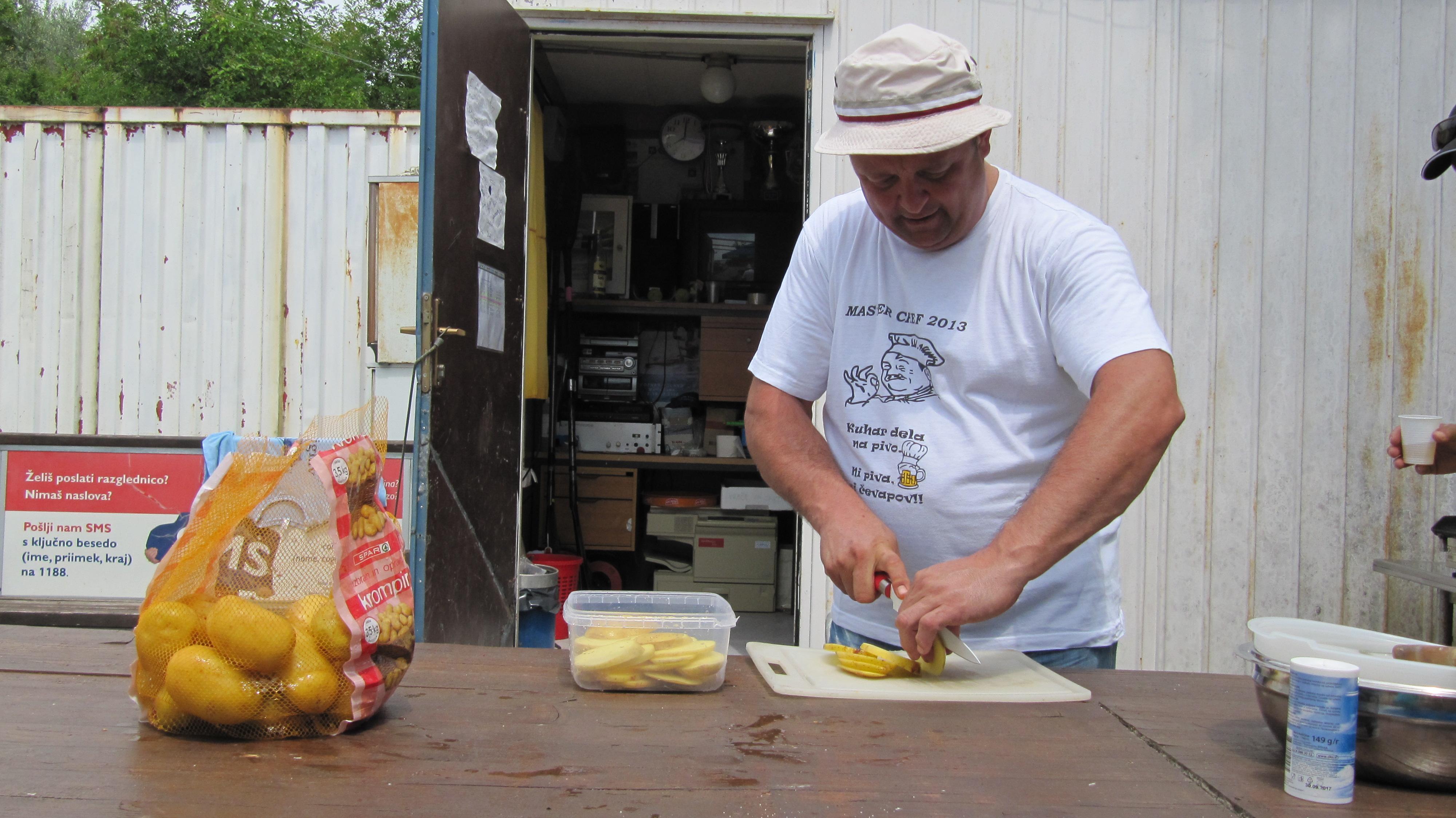 Krompir je ena med glavnimi sestavinami kuharjevih specijalitet