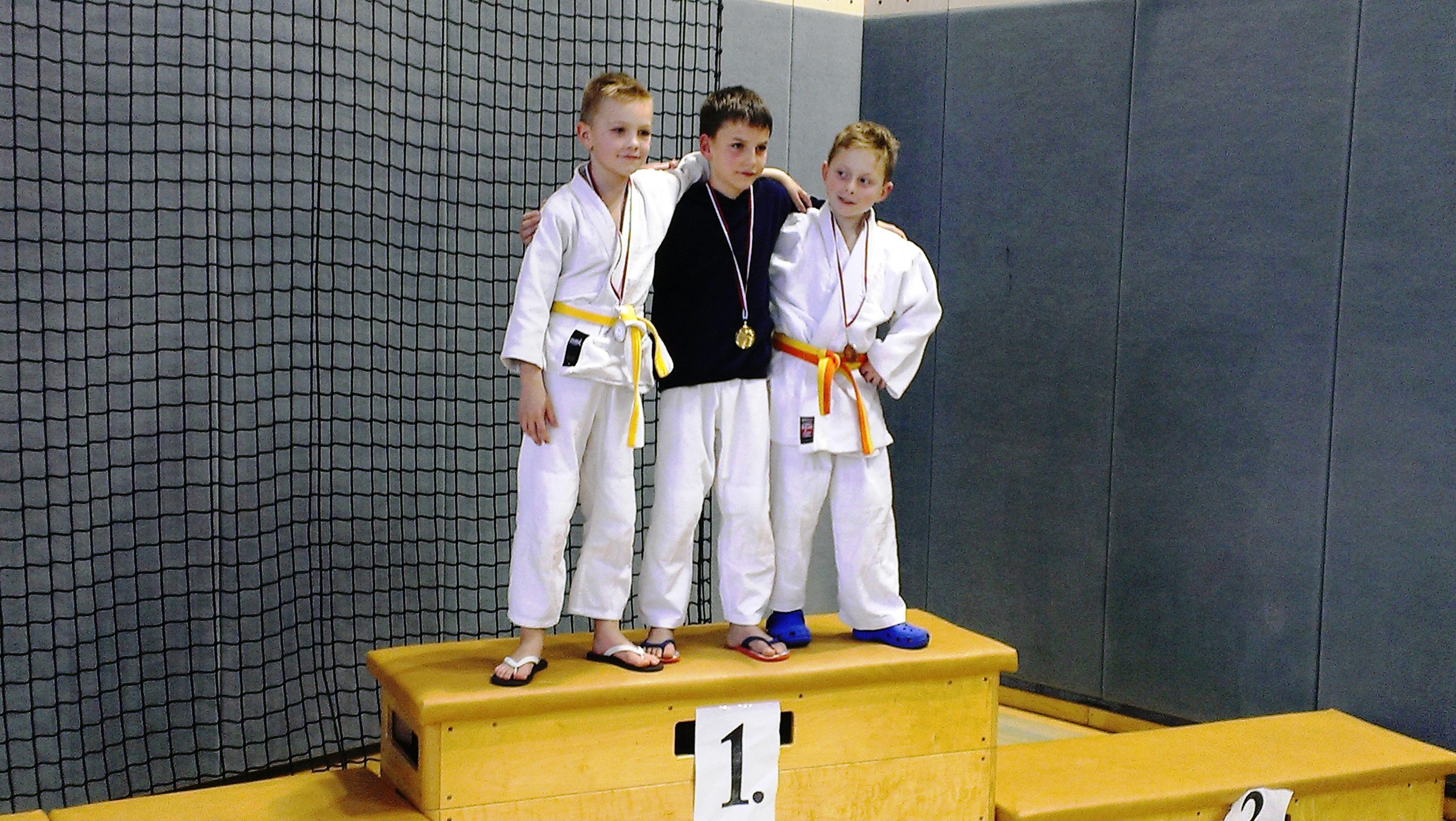 Trije zmagovalci skupine 7