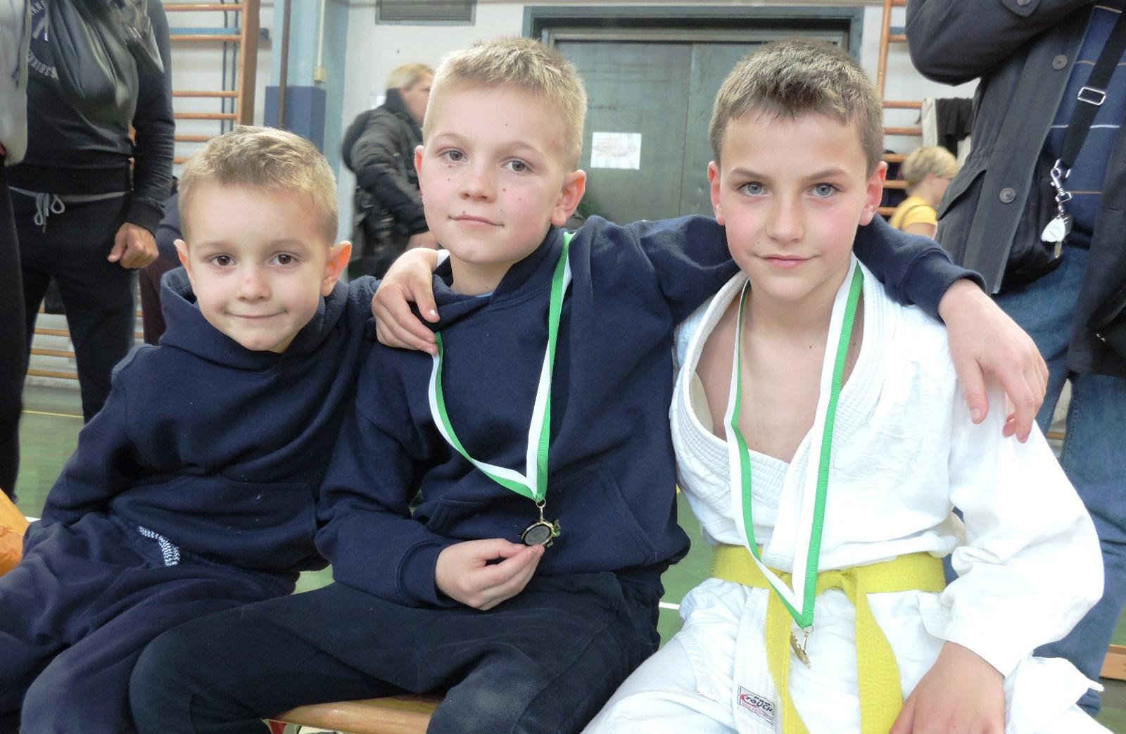 Leo,Lan in Vid z zlatimi medaljami