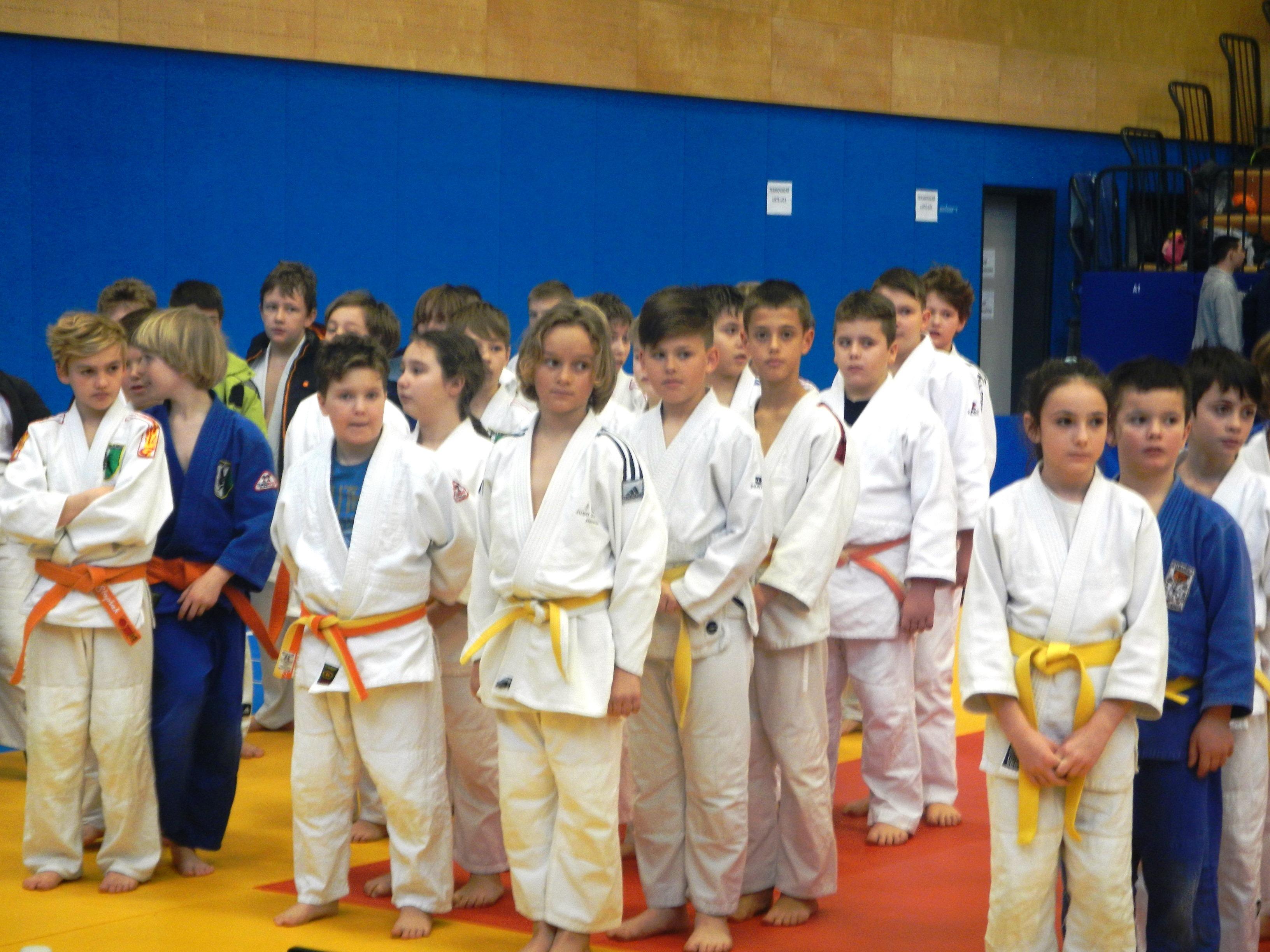 Trije mošketirji Judo kluba Koper med otvoritvijo