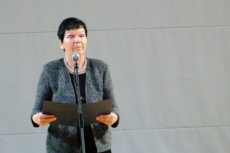 Sonja Poljšak med govorom